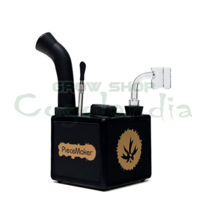 With Kube you will always have your BHO pipe at hand. A pipe made of food grade silicone, which will not break even the clumsiest stoner, you will want to take it with you everywhere.